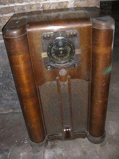 Vintage Stewart Warner Radio For Parts Or Repair Model