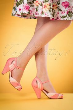 Sweet as sugar these Marlee Pumps!Such a sweeties! Made from different shades of peach ''faux'' leather with stunning cut outs, adjustable ankle straps and peeptoes. Thanks to the comfy footbed and the sturdy wide heel they fit perfectly! Sneakers Mode, Sneakers Fashion, Fashion Shoes, Fashion Accessories, Dress Shoes, Shoes Heels, Dance Shoes, High Heels, Bettie Page Shoes