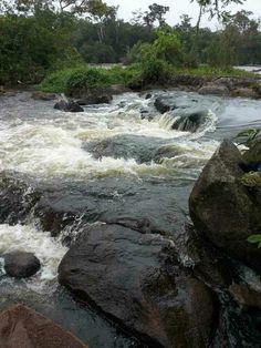 Aurora is een dorpje in boven Suriname waar je in de Suriname rivier heerlijk kan relaxen op de tsjoela's