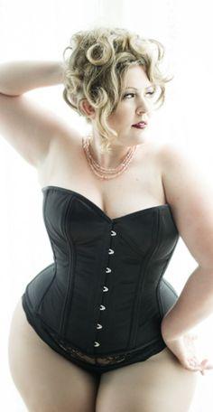Dark Garden Valentine overbust, $440 (Photo: Joel Aron, model: Nicole Simone) | Plus size corsets on Lucy's Corsetry