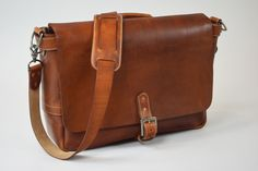 Kingsman Leatherware is making some very beautiful premium leather bags. They are launching a messenger, duffel, and briefcase on Kickstarter.