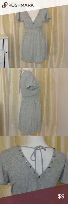 "Express women's mini dress size Small Gray Tunic Express women's short dress and can be used as a tunic.    Size Small  Chest: 18"" Length: 30"" Express Dresses Mini"
