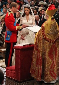 """Resultado de imagem para ."""" Quoting those words of St. Catherine of Siena, the Bishop of London began his message to Prince William and Kate Middleton at their wedding in Westminster Abbey."""