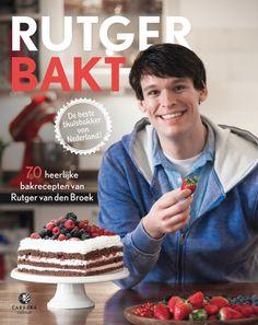 Herinner je Rutger nog? Op overtuigende manier won hij de eerste editie van Heel Holland Bakt. En nu is er zijn eerste bakboek.
