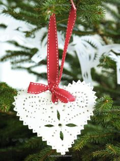 Christmas Crafting in No Time - 50 step-by-step projects and inspirational ideas: Amazon.co.uk: Clare Youngs: Books