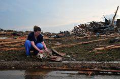 Crews Search for Survivors in Oklahoma After Tornado - http://uptotheminutenews.net/2013/05/21/breaking-news/crews-search-for-survivors-in-oklahoma-after-tornado/
