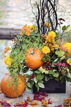 Continuing the theme of Halloweddings, I'd like to tell of centerpieces today as every table of your reception needs one. The most traditional idea for every wedding is flowers but as you've chosen Halloween theme. Halloween Wedding Centerpieces, Pumpkin Centerpieces, Wedding Decorations, Wedding Ideas, Fall Decorations, Unique Centerpieces, Halloween Weddings, Wedding Crafts, Wedding Table