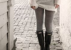 Rainy/Cold Day Outfit Hunter boots, tights and oversize sweater