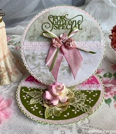 I have made this card for my sister who is unwell. Step Cards, Mini Roses, Easel Cards, Paper Roses, I Card, Pink And Green, Scrapbook, Holiday Decor, Card Ideas
