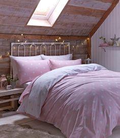 In Diesem Gemütlichen #rosa #Schlafzimmer Im #Landhaus Look Zaubern  Rustikales #Holz