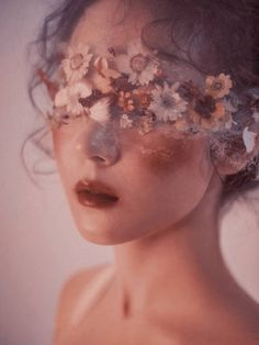 Image discovered by aarmii'na. Find images and videos about girl, photography and beauty on We Heart It - the app to get lost in what you love. Flower Aesthetic, Aesthetic Collage, Aesthetic Makeup, Aesthetic Photo, Aesthetic Girl, Aesthetic Pictures, Aesthetic Body, Brown Aesthetic, Kpop Aesthetic
