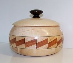 Maple Wooden Bowl with Lid 592