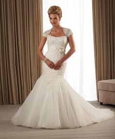 Arrival Delicated Lace Wedding Gown with Memrmaid Trumpet Train