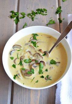 Crema di funghi champignon: oltre all'insalata sono ottimi anche come vellutata