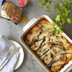 Eggplant Bake with Feta and Bulgur Wheat Sweet Potato Wrap, Sweet Potato Wedges, Portokalopita Recipe, Vegetarian Wraps, Cherry Tomato Salad, Whipped Feta, Cooking Salmon, Greek Recipes, Bulgur