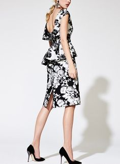 Love this black and white floral print skirt | Oscar de la Renta