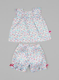 Pijama Niña, Girl Payama La Piyama,  Caroline Baby Girl Dresses, Baby Dress, Little Girl Outfits, Kids Outfits, Short Niña, Baby Girl Pajamas, Kids Pants, Comfortable Fashion, Sewing Clothes