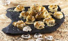 Receita de Biscoitos de queijo brie e cogumelos. Descubra como cozinhar Biscoitos de queijo brie de maneira prática e deliciosa com a TeleCulinária!