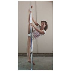 Pole Split #PrincessPoleFitness #Pole #PoleFitness #PoleDance #PoleDancer #Fitness #Health #PolePose #PoleSplit