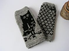 Hand knitted wool fingerless gloves with Owls