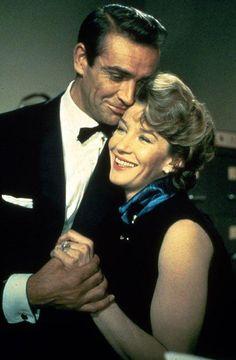 Lois Maxwell et Sean Connery