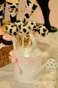 . Balloon Birthday Themes, Farm Birthday Cakes, 2nd Birthday Party Themes, Farm Animal Birthday, Cowgirl Birthday, Cowgirl Party, Pig Birthday, Birthday Ideas, Cow Baby Showers