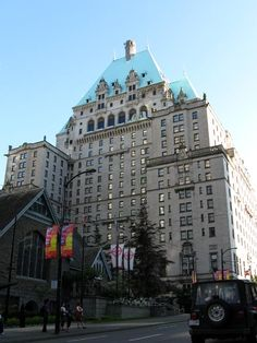We stayed here at the Fairmont Vancouver in Vancouver BC - very swanky, right time of year isnt as bad a price as you would think, very close to everything, heart of shopping district, museums, great restaurants, and only about 2 blocks from the water front!
