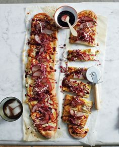 red wine party pizza