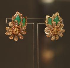 Elizabeth Taylor - Daisy Earrings by Van Cleef & Arpels