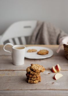 Chocolate Shortbread Cookies, Caramel Chocolate Chip Cookies, Perfect Chocolate Chip Cookies, Andes Mint Cookies, Chewy Ginger Cookies, Apple Recipes, Cookie Recipes, Levain Bakery, Snacks