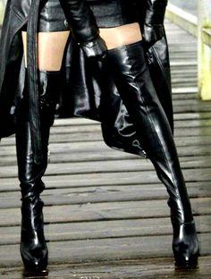 Hot High Heels, Platform High Heels, Sexy Heels, Thigh High Boots, High Heel Boots, Heeled Boots, Short Cuir, Satin Skirt, Long Boots