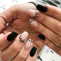 If you want to try something new, why not opt for matte black nails? This design looks really extraordinary. See our matte black manicure ideas. Black And Nude Nails, White Nails, Black Manicure, Black Nail Art, Best Acrylic Nails, Acrylic Nail Designs, Oval Nails, My Nails, Thanksgiving Nails