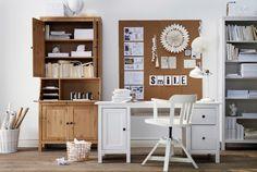 HEMNES Arbeitsplatzserie, hier u. a. mit HEMNES Schreibtisch weiß gebeizt