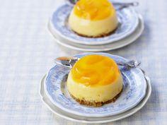 Mandarinenpudding mit Keksboden | http://eatsmarter.de/rezepte/mandarinenpudding-mit-keksboden