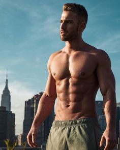 Ab workouts are a dime a dozen but this article is going to teach you everything you need to know about building a lean, cut core. Six Pack Abs Men, Six Pack Abs Workout, Ab Workout Men, Best Ab Workout, Ultimate Ab Workout, Modelos Fitness, Male Fitness Models, Male Models, Love Handle Workout