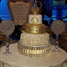 Kenya Draper added a photo of their purchase Large Wedding Cakes, Extravagant Wedding Cakes, Bling Wedding Cakes, Wedding Cake Prices, Floral Wedding Cakes, Beautiful Wedding Cakes, Beautiful Cakes, Quinceanera Cakes, Quinceanera Decorations