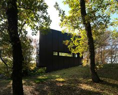 This small house is located in the hills of Bologna, in a forest of strong character and natural landscape.It is designed to achieve a building of wood, both...