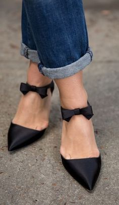 Sarah Jessica Parker Black Bow Tie Stilettos by Gal Meets Glam