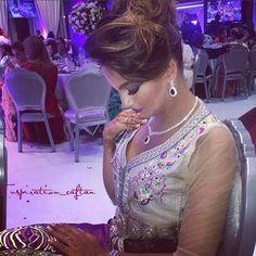 #caftan#kaftan#caftanos#caftan2015#takchita#jalaba#maroc#marakesh#dubai#kuwait#paris#amesterdam#utrecht#fahsion#fashionista#disagne#style#dubaifashionblogger#bloger#style#follow#followme💞💞🌸 @hajar_hamouda