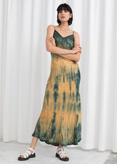 Satin midi slip dress with a tie dye effect, adjustable straps and lace trim. Length of dress: / (size Model wears: EU UK US 4 / Small Note: All articles are hand dyed, pieces may vary from the product image. Casual Cocktail Dress, Casual Summer Dresses, Modest Dresses, Maxi Dresses, V Neck Wedding Dress, Dresses To Wear To A Wedding, Dresses For Sale, Dresses For Work, Tie Dye Fashion