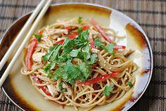 Thai Peanut Noodles with Chicken, 6 WW pts.