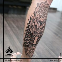 This meticulously crafted Mandala tattoo composed of shapes and symbols that radiate from the center outwards in a beautiful pattern. Tattoo reflects eternity, balance and perfection. King Tattoos, Top Tattoos, Line Work Tattoo, Dot Work Tattoo, Unique Tattoo Designs, Unique Tattoos, Best Tattoos For Women, Tattoos For Guys, Eternity Tattoo