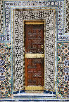 Africa | Fez, Morocco © Zineb Benchekchou