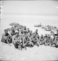 New Zealand soldiers of the WWII LRDG (Long Range Desert Group) pause for tea in the Western Desert, North Africa, 27 March 1941 / Imperial War Museum, UK Afrika Corps, Nz History, North African Campaign, Special Air Service, Man Of War, British Army, War Machine, Special Forces, Military History