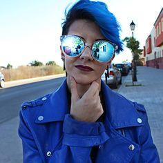 """4,633 Me gusta, 244 comentarios - Patricia (@littlefenu) en Instagram: """"Por las mañanas hace ya fresquito, eso sí, cuando me voy a la calle ¡Las gafas azules! Que me…"""""""