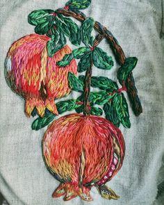 Стооолько планов, а сил никаких. Вот как с этим бороться? #nadiagaruttembroidery ________________________________________ #embroidery#embroideryart#embroidered#broderie#handmade#своимируками#вышивка#вышивкагладью#bordado#сделаноруками#em_hm#embroideryinstaguild#handembroidery#t_v_r