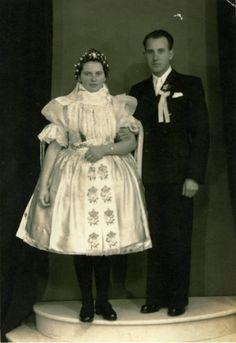 Tradičný odev-Obec Popudinské Močidlany