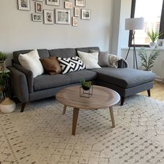 Decor Home Living Room, Living Room Redo, Living Room End Tables, Rugs In Living Room, Interior Design Living Room, Home And Living, Living Room Designs, Room Decor, Leather Living Room Furniture