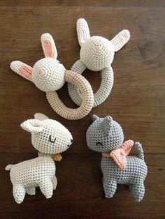 Pica Pau crochet baby toys and rattles Crochet Baby Toys, Crochet Amigurumi, Crochet Animals, Amigurumi Patterns, Crochet Dolls, Baby Knitting, Crochet Patterns, Crocheted Toys, Amigurumi Toys
