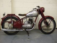 UK motorbike web directory and search engine, one of the fastest growing motorctcle websites in the UK Jawa 350, Classic Bikes, Classic Motorcycle, Bobber Chopper, Moto Bike, Pony Car, Ford Motor Company, Vintage Motorcycles, Cool Bikes